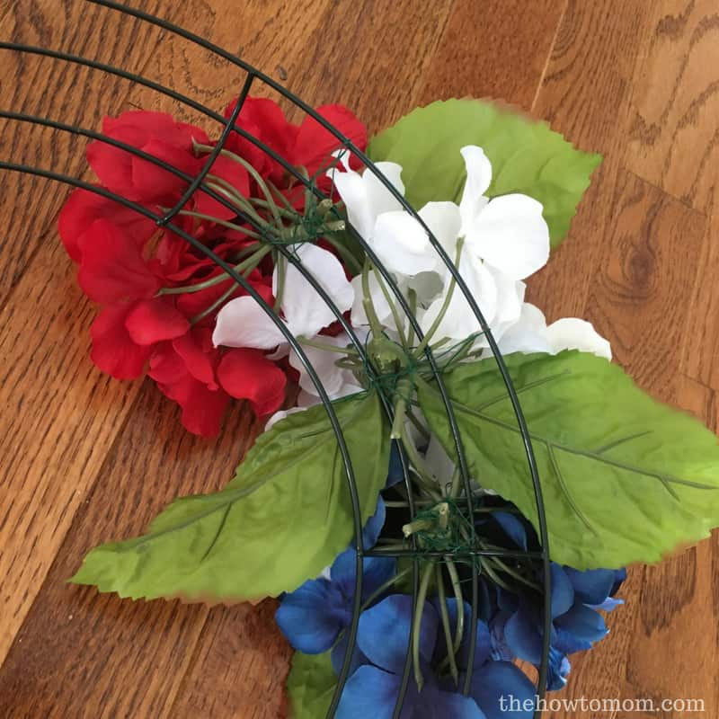 How to make a patriotic wreath with hydrangeas