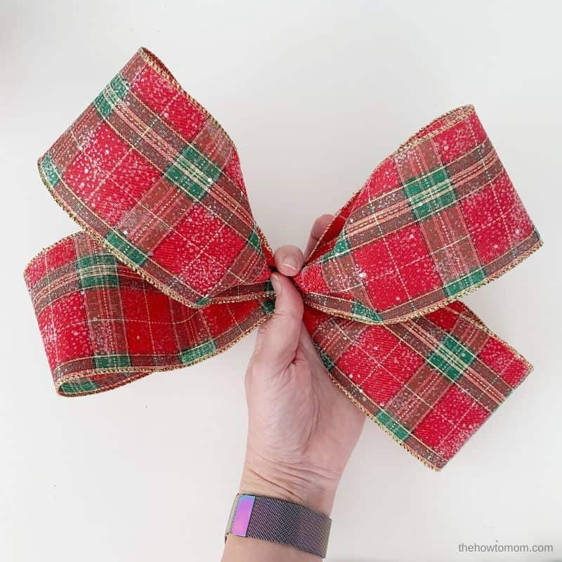 scrunch bow center