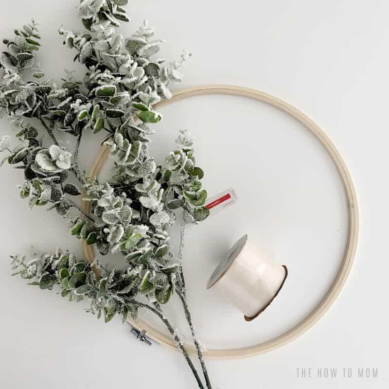 modern minimalist wreath