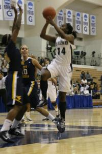 MARISSA AMENDOLIA/THE HOYA Sophomore guard Sugar Rodgers scored 30 points Tuesday night against the Mountaineers.