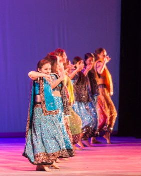 MICHELLE XU/THE HOYA Students perform Garba Pulse, a dance from Gujarat, India, to the sounds of American and Indian chart-toppers.