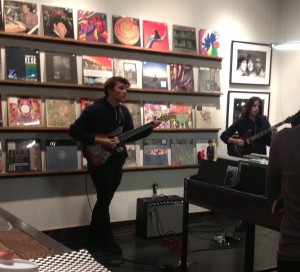 ISOBELLA GOONETILLAKE/THE HOYA The up-and-coming duo Jack + Eliza brought 1960s spirit to their intimate performance at Hill & Dale Records.