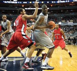 FILE PHOTO: CHRIS BIEN/THE HOYA Former Georgetown center Henry Sims is now an NBA free agent.