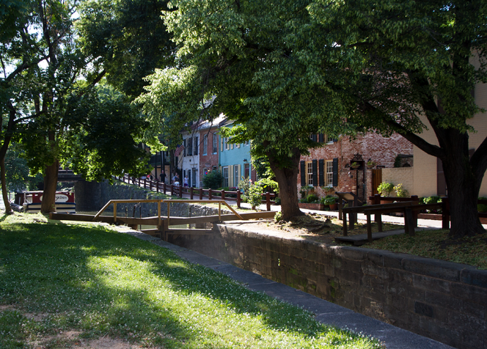 FILE PHOTO:MICHELLE XU/THE HOYA An 18-month renovation project starting in November will restore parts of the mile-long segment of the historic Chesapeake and Ohio Canal in Georgetown, by draining locks in Georgetown of water, replacing the boat The Georgetown and closing parts of the canal path.