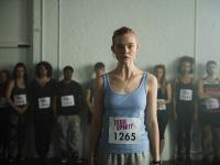 AUTOMATIK | Moved by Elle Fanning's powerful performance, 'Teen Spirit' serves as a solid directorial debut for actor Max Minghella. Fanning's natural and poignant singing voice brings reality to her role and contextualizes the teenage angst, with the film aiming to bring the traditional coming-of-age story to the modern era.