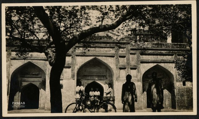 Guru ki Maseet or Guru's mosque located at Sri Hargobindpur town, photographed in 1934