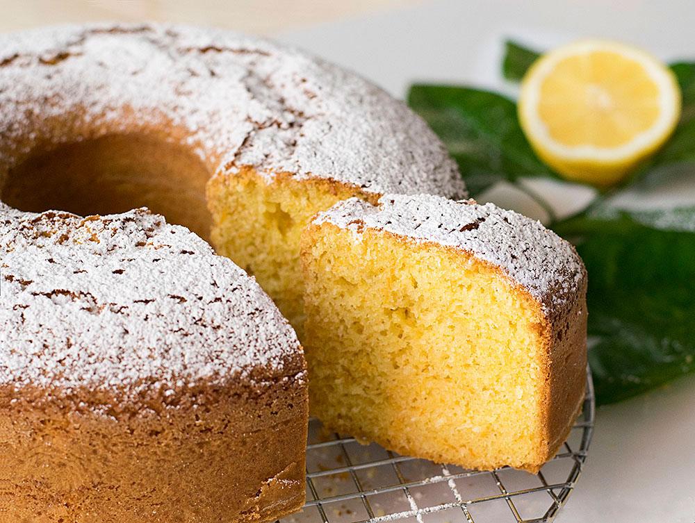cake-lemoniou-me-elaiolado-kai-karyda 3