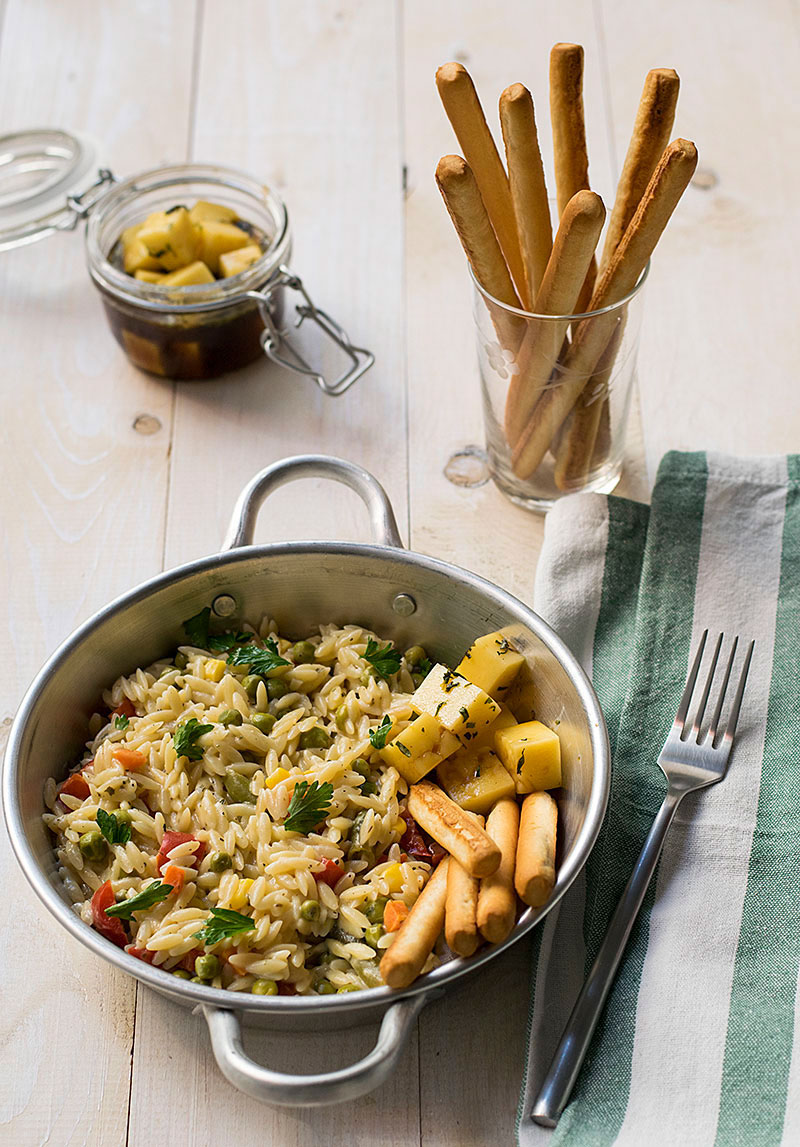 mediterranean_vegetables_orzotto_with_marinated_cheese_cubes