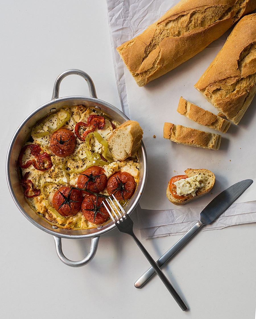 baked-feta-cheese-with-peppers-and-tomatoes