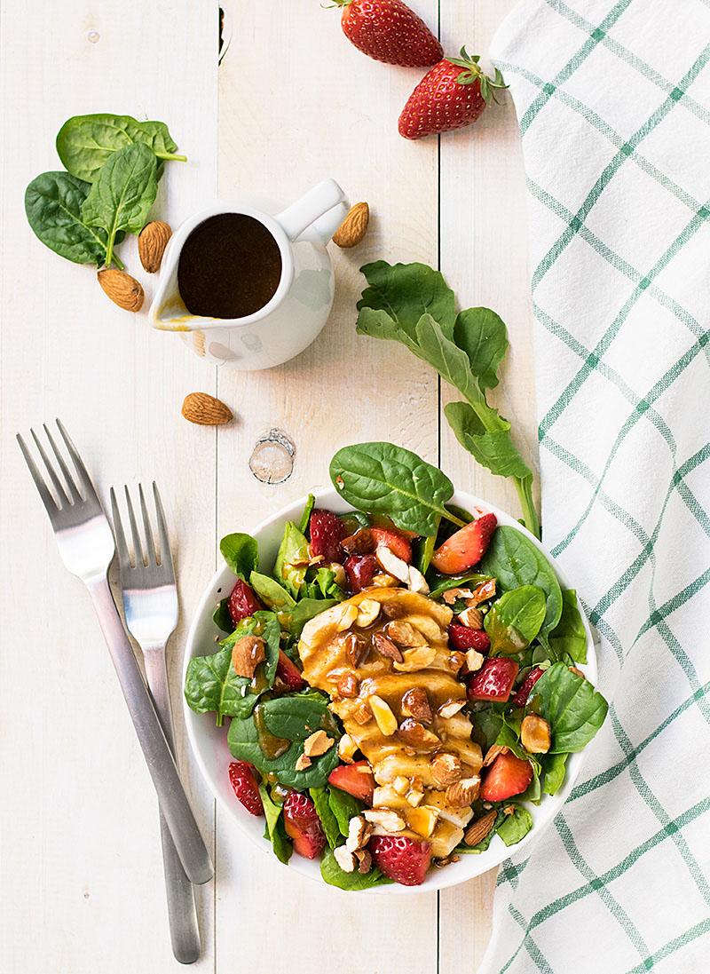 Chicken rocket and strawberry salad 4