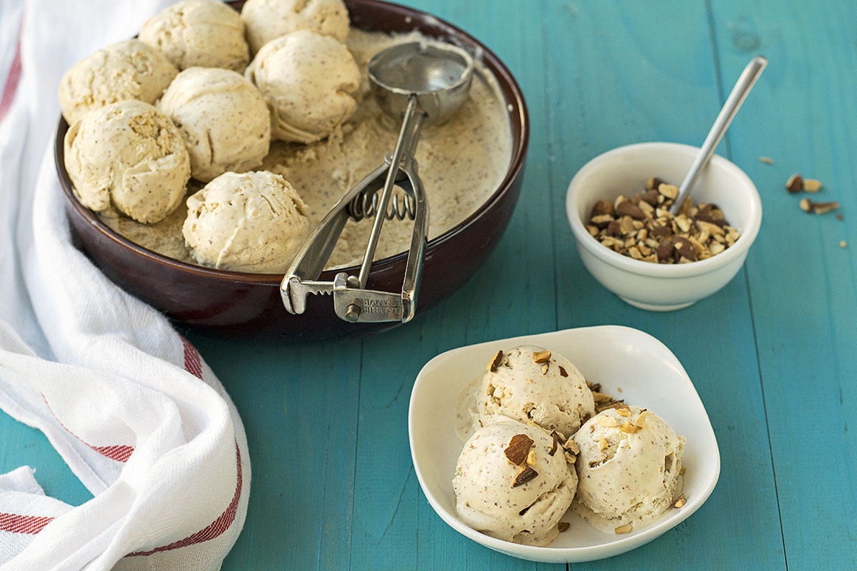Roasted almond & white chocolate no-churn ice cream 5