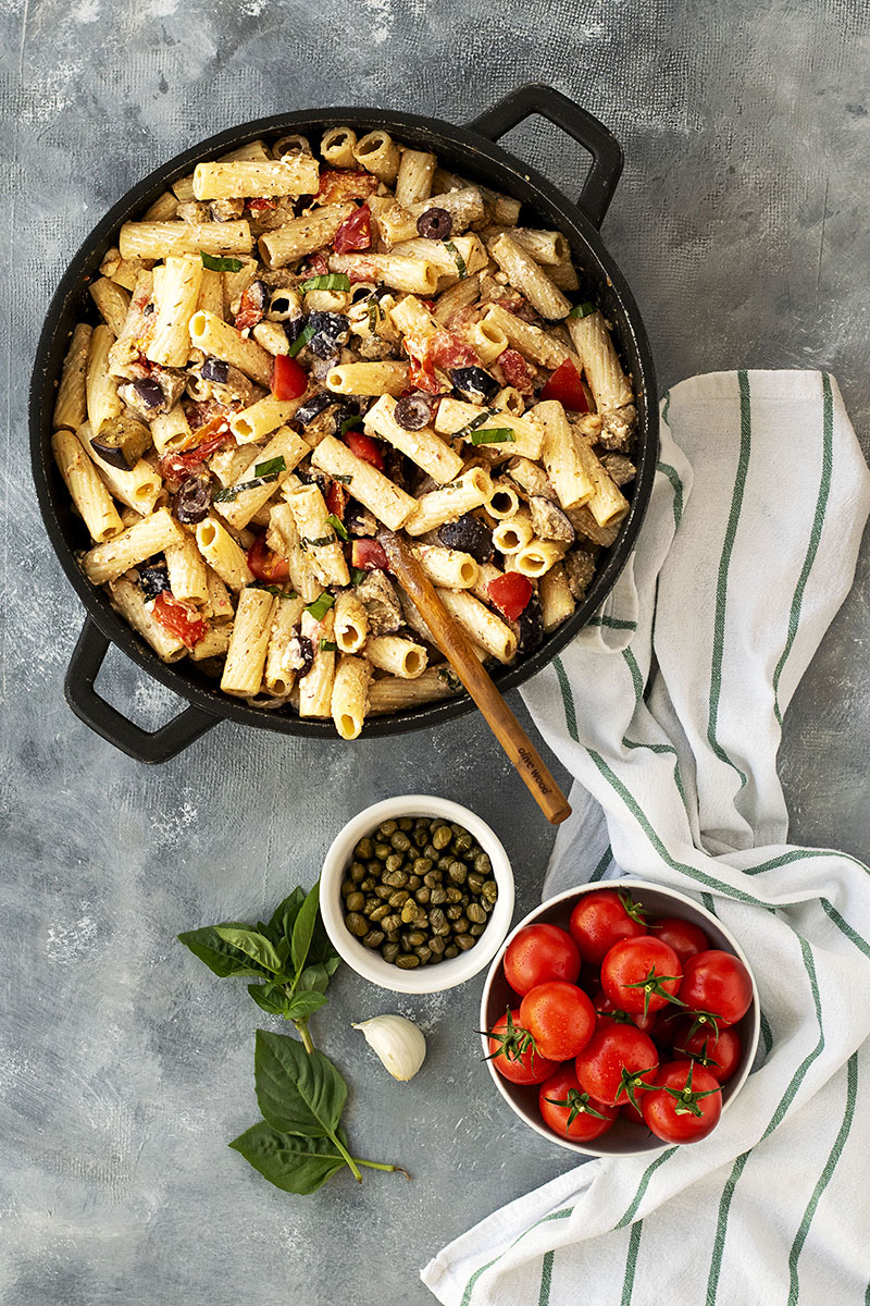 Creamy summer pasta with eggplant and tomatoes 2
