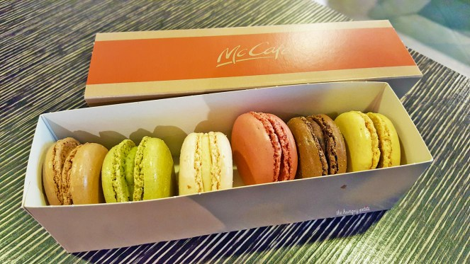 A little messy and not as fancy, but still good macarons.