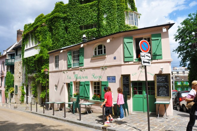 La Maison Rose, a restaurant made famous by the painting of Maurice Utrillo