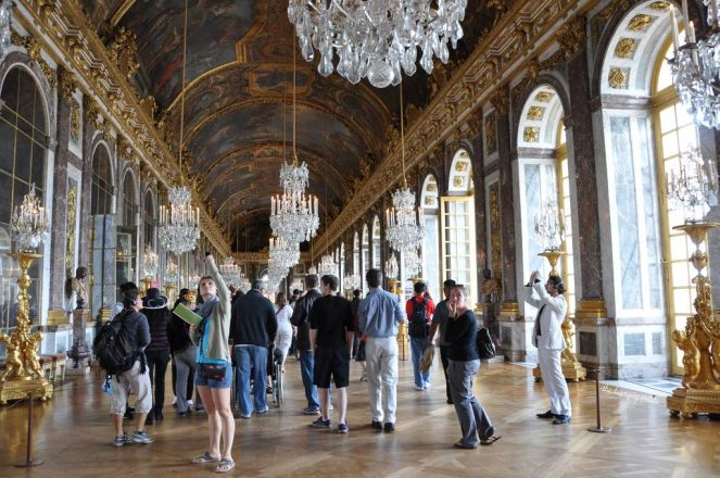 The Hall of Mirrors, the most famous room in the Palace