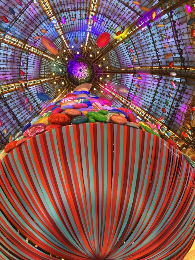 Galeries Lafayette all dressed up for Christmas