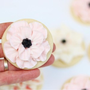 anemone flower buttercream tutorial
