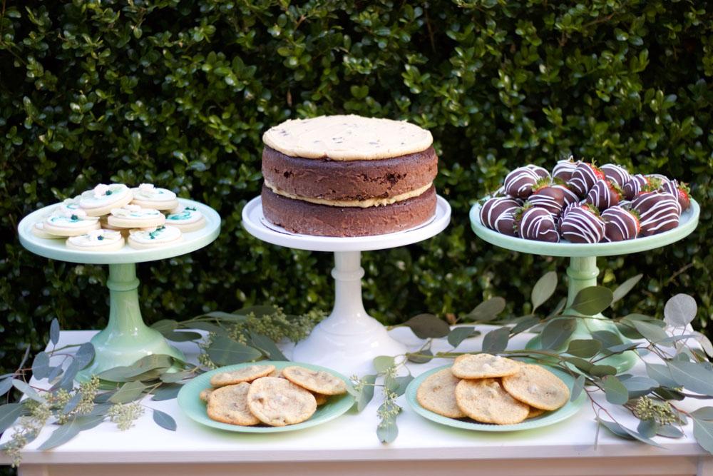 Elegant and simple dessert table