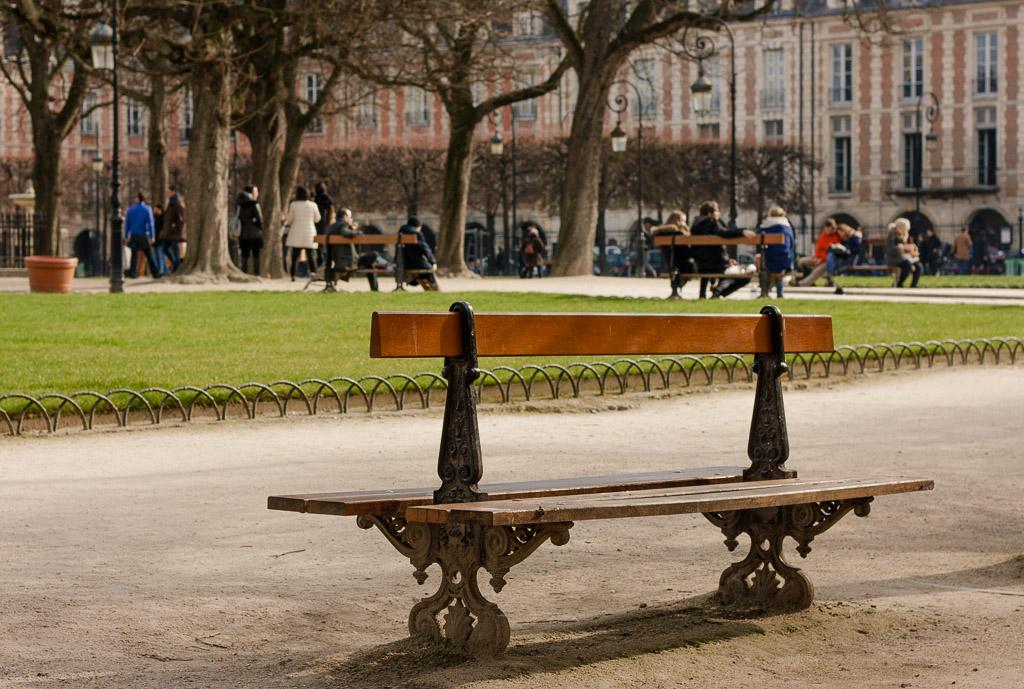 A park in Marais - Paris Travel Guide