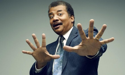 Neil deGrasse Tyson Judges The Scientific Accuracy of Marvel vs. DC Comics