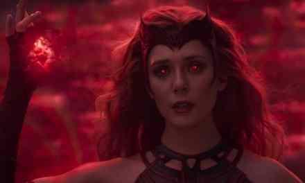 """New Elizabeth Olsen Tease That Doctor Strange 2 Has a """"Bonkers Horror Vibe"""""""