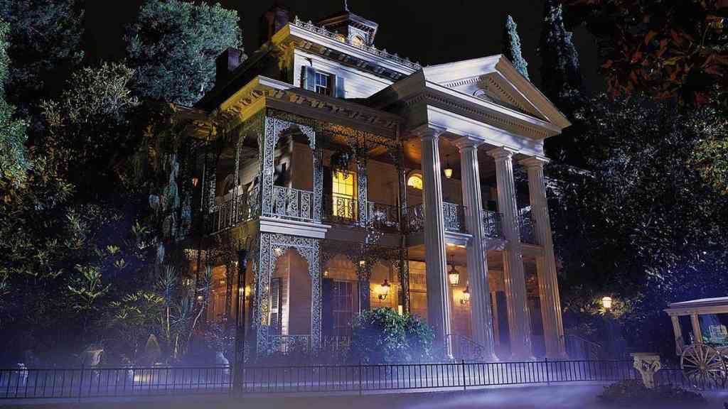 Haunted-Mansion-Disneyland