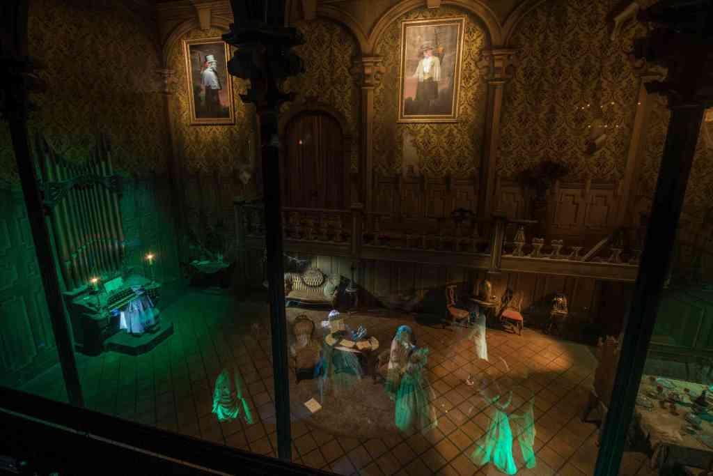 haunted-mansion-ballroom