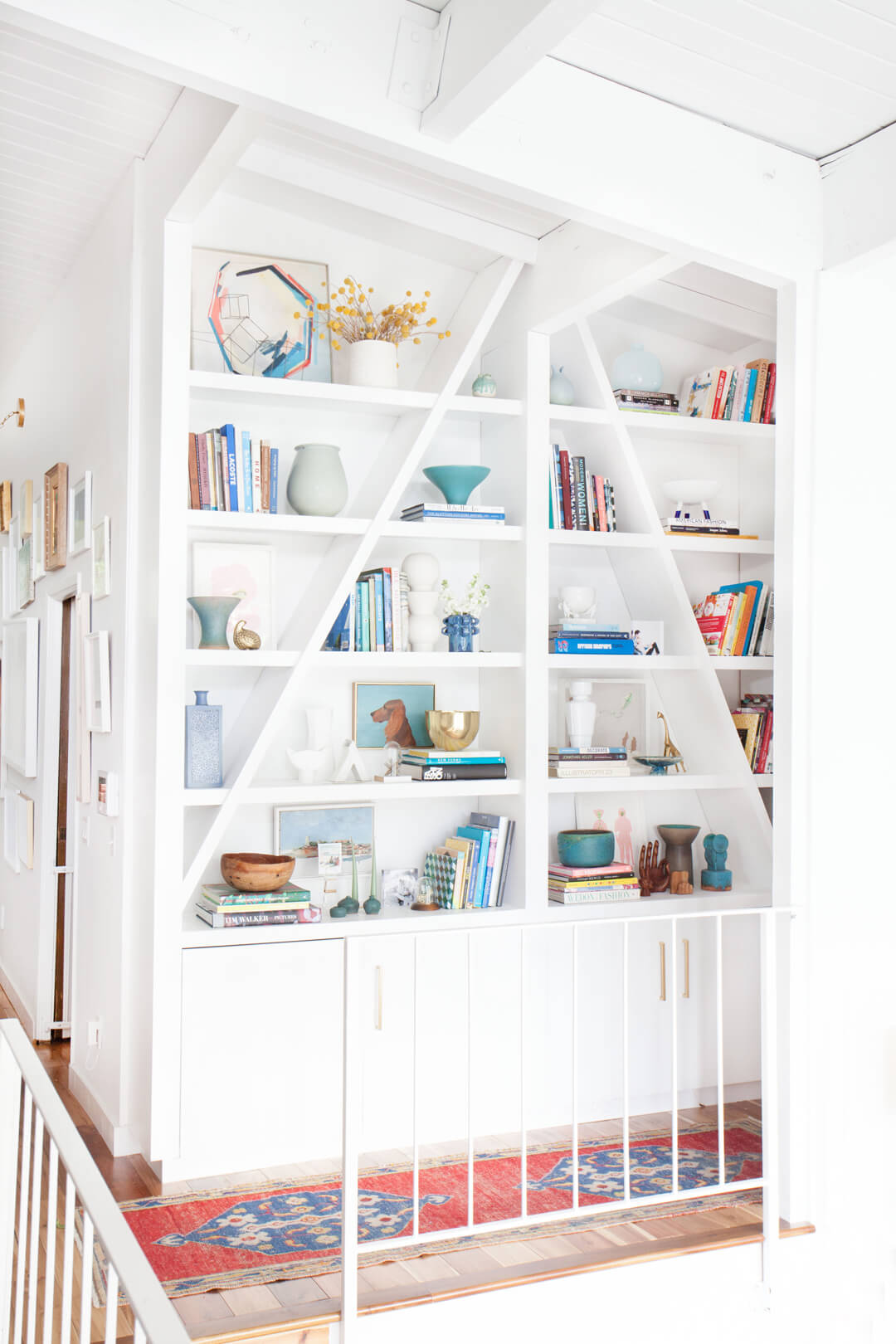 Emily_Hendersons_Home_Bookcase_2