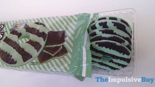 Keebler Limited Batch Dark Chocolate Mint Fudge Stripes Cookies 3