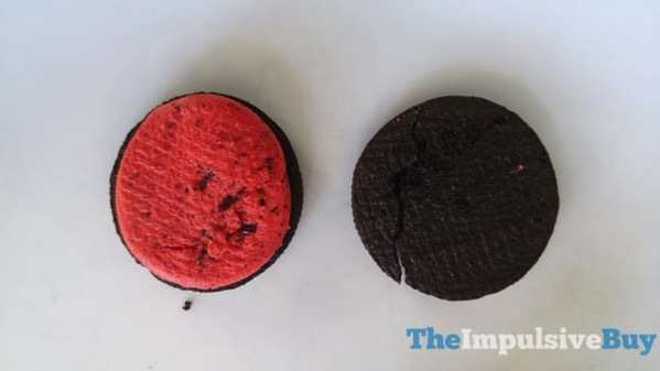 Limited Edition Hot  Spicy Cinnamon Oreo Cookies 3