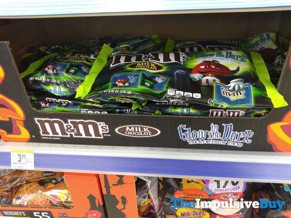 Milk Chocolate M M s in Glow in the Dark Trick or Treat Packs