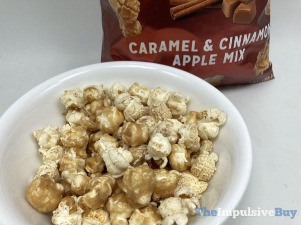 Smartfood Caramel  Cinnamon Apple Mix Closeup