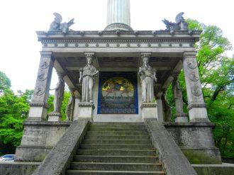 friedensengel-monument-munich-germany