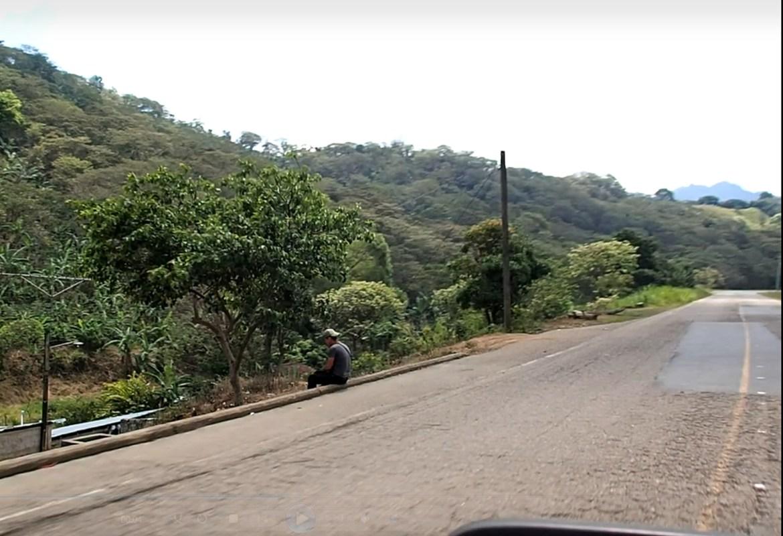 Las Manos Border