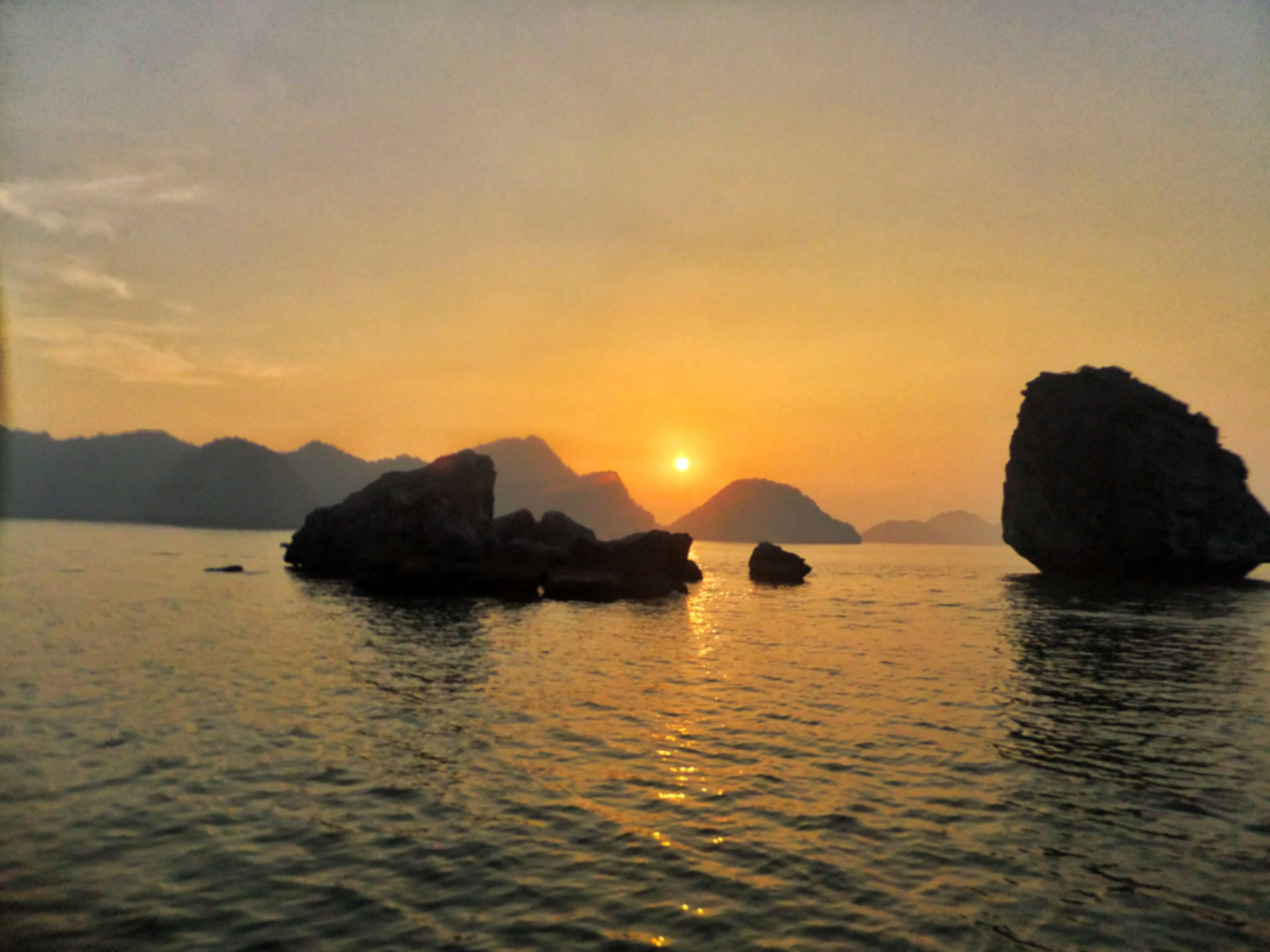 Tour of Halong Bay