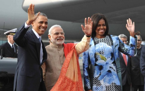 The US President, Mr. Barack Obama, First Lady Mrs. Michelle Obama and the Prime Minister, Shri Narendra Modi at Palam Airport, in New Delhi on January 25, 2015. The Minister of State (Independent Charge) for Power, Coal and New and Renewable Energy, Shri Piyush Goyal s also seen.