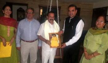 Sadanand Gowda at Sanjay Tandon Home