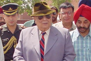 THE PUNJAB GOVERNOR AND ADMINISTRATOR, UNION TERRITORY, CHANDIGARH, LT. GEN. JFR JACOB, PVSM (RETD.) INAUGURATES NEW ROAD LINK BETWEEN SECTOR 41 AND 42 AT CHANDIGARH ON WEDNESDAY.