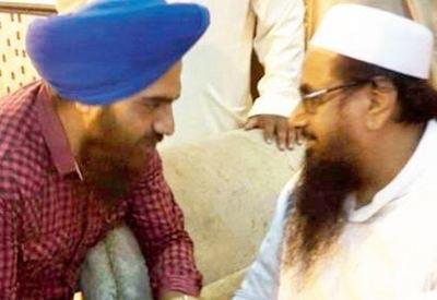 gopal singh chawla with hafiz saeed