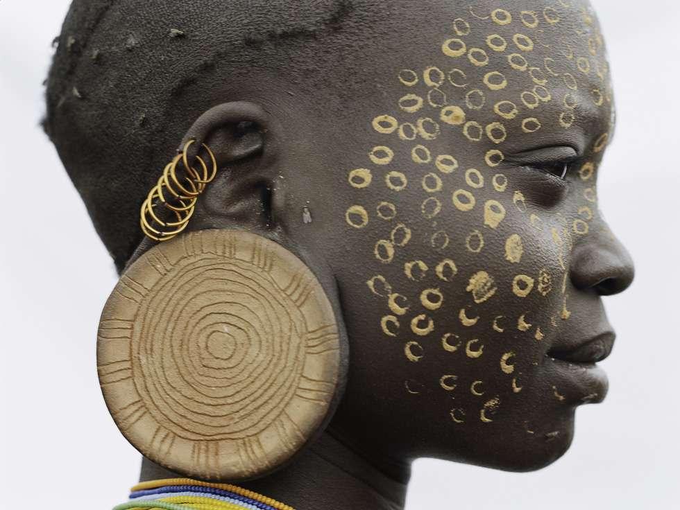 Surma-African-Tribe-1