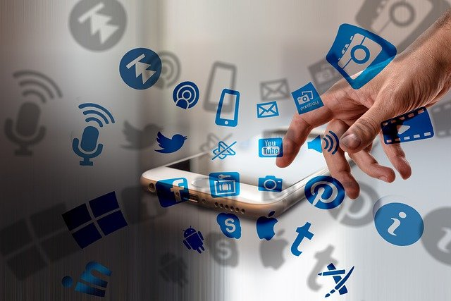 Social Media Marketing Hacks b2b business