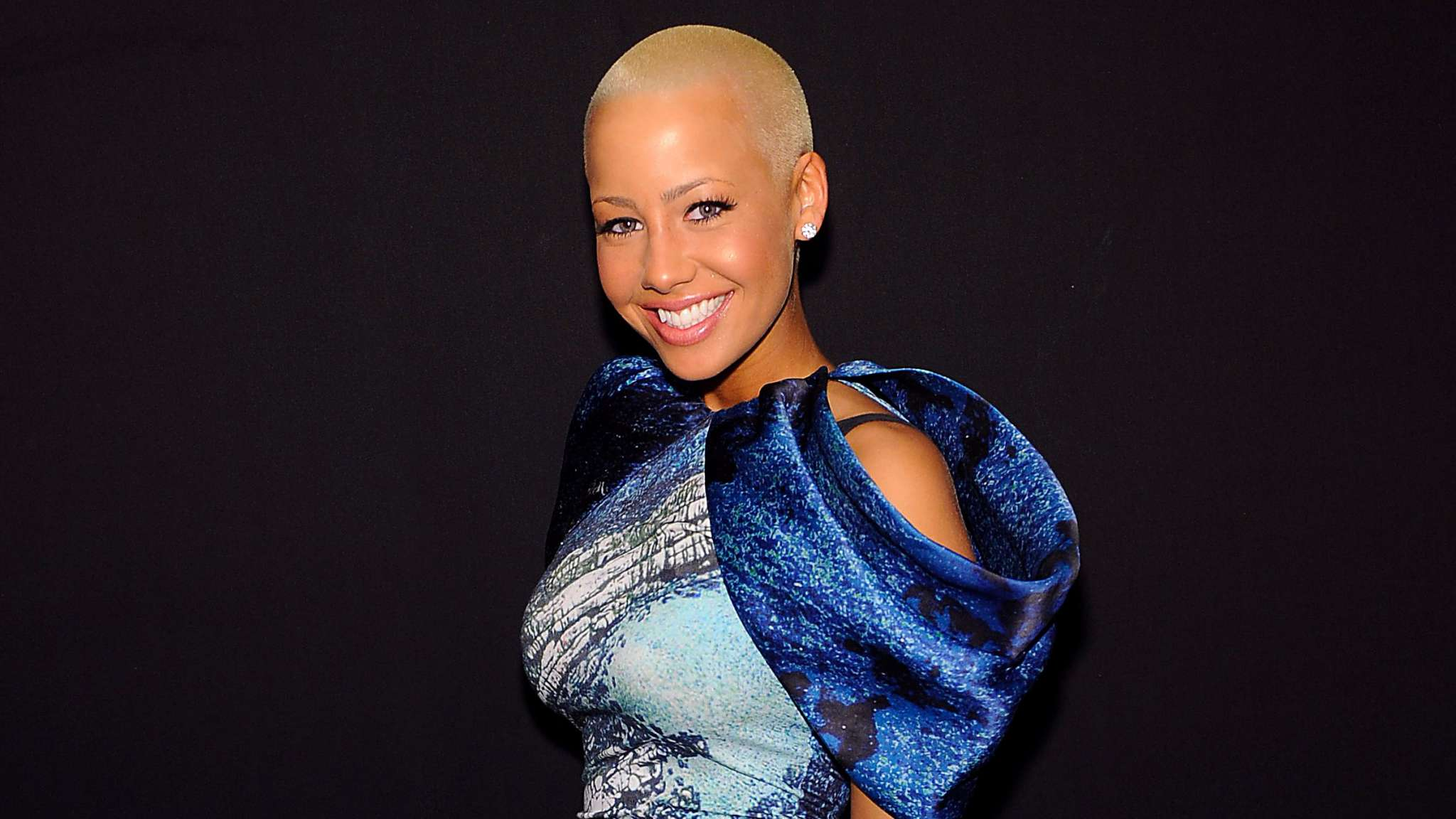 how to look like amber rose