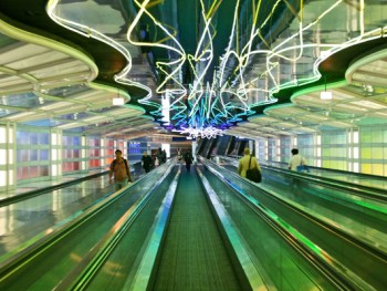 Photo Credit: Wikimedia Commons/Ohare Airport Walkway