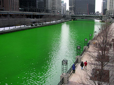 Chicago River dyed green for St Patrick's Day - The Irish Place