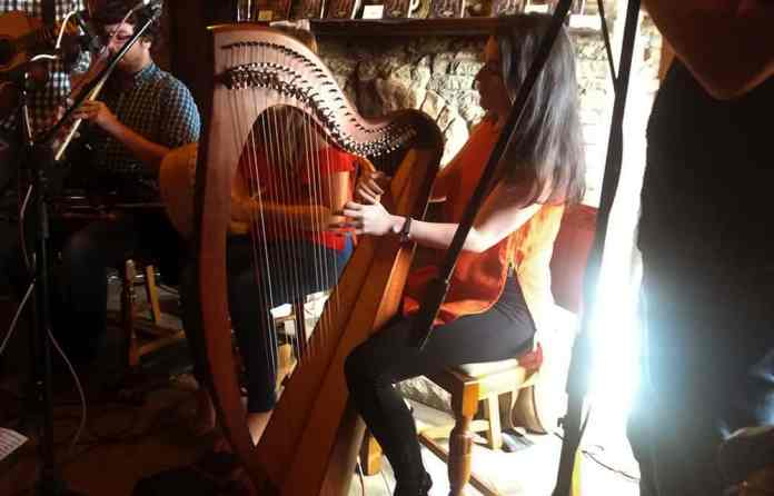 Emer Mallon of Connla in action on the Celtic Harp - The Irish Place
