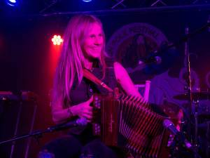 Sharon Shannon performing at the Doolin Folk Festival 2017 - The Irish Place #theirishplace #doolinfest