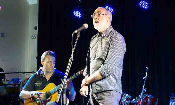Peter Byrne (right) and Conor Mahony (left) performing on the White Horse stage at the 2017 Doolin Folk Festival for the launch of their CD, Land and Sea - The Irish Place