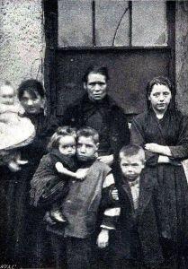 Dublin slum dwellers, 1901.
