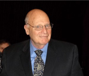 Dr Arthur W Bloom