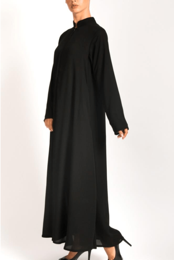 Front zip abayah with pockets on each side 1 - Q&S Islamic Store